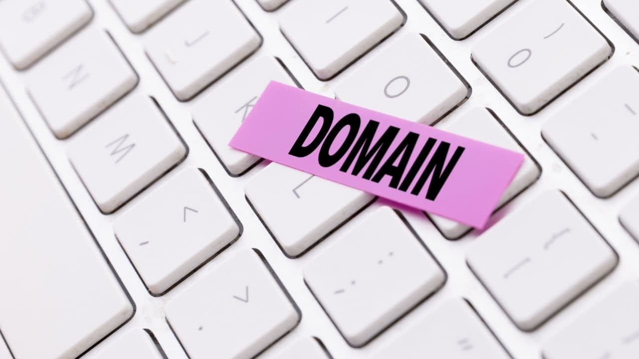 Both GoDaddy and NameCheap simplify things quite a bit, but there are some significant differences between these hosting platforms' domain name registration options.
