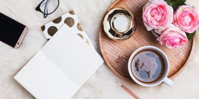 Blogging can be a very rewarding activity, both personally and professionally. Here's a list of the Best Feminine WordPress Themes. If you are just beginning to blog, check out this article on How To Start A Blog.