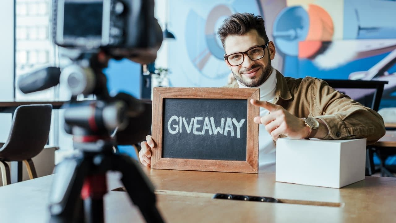 This article explains the Facebook Giveaway Rules you need to avoid messy pitfalls while promoting your brand.