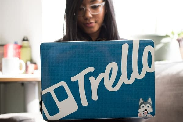 "At this time, there is no known official affiliate program for Trello, but there is a rewards program where users of Trello can earn ""gold"" for referrals."