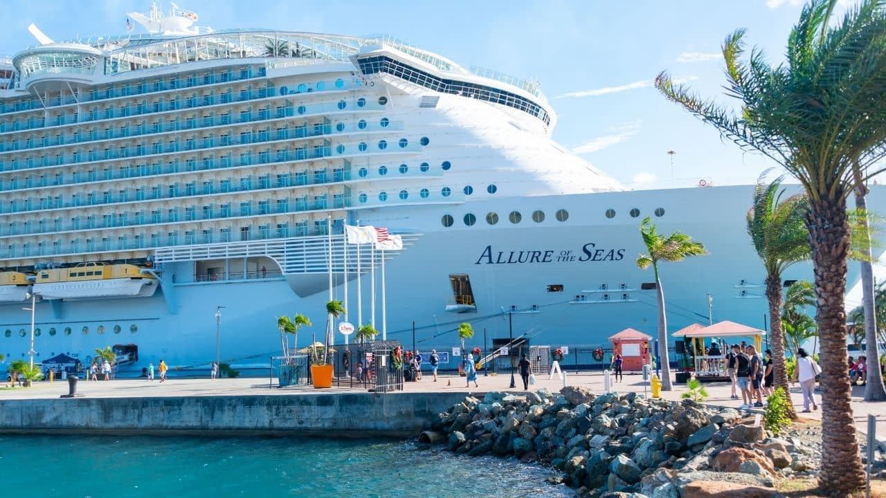Cruise Direct has a strong affiliate program that provides affiliates with a chance to earn thousands of dollars.