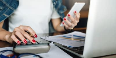 Many people are looking for the right accounting tool for their needs. While there are many options from which to choose, two of the most popular options are QuickBooks and FreshBooks. This article will compare Quickbooks Vs. Freshbooks.