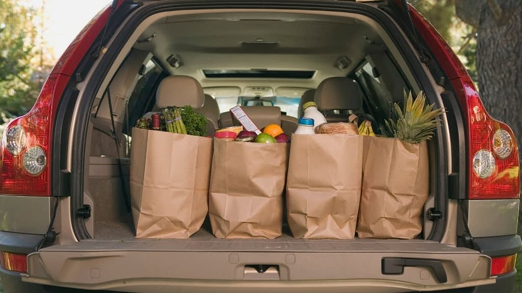 There are two affiliate programs available through Instacart right now. The Instacart customer affiliate program lets you refer new customers to Instacart. Your other option is to refer new shopper-partners to Instacart