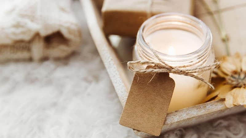 If you need gift ideas for the candle lover in your group, you've come to the right place. Pick up a renewing candle subscription box or a one-time candle gift box. Have it delivered to your home or theirs.