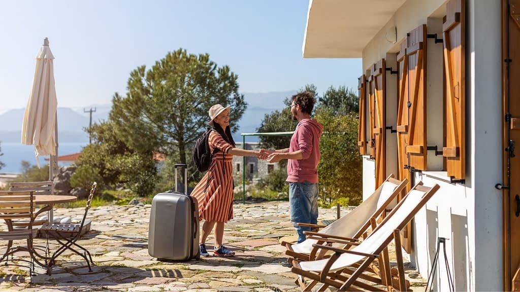 As an Airbnb affiliate, you'll be able to post an Airbnb listing on your site. You'll earn a commission for each booking that results from your promotional link.