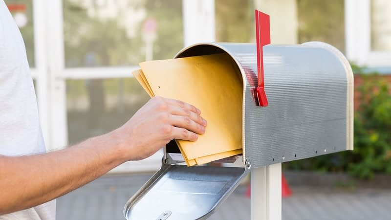 How can you find a top direct mail marketing company to meet your needs? There are a few key options to keep in mind.